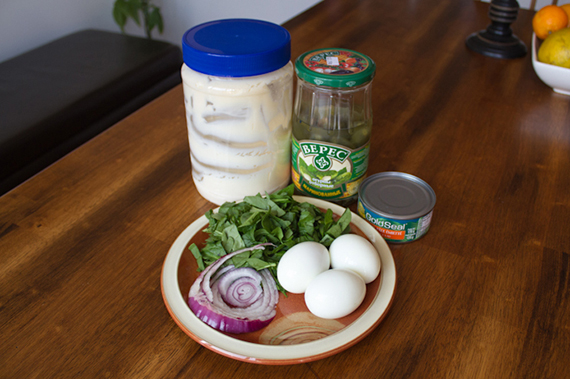 tuna and egg salad ingredients